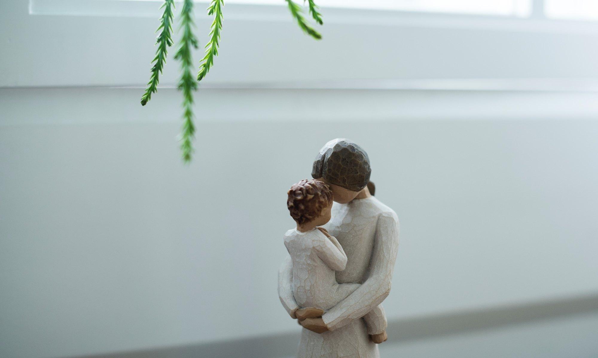 Jacinda Ardern faces big challenges of public opinion on motherhood